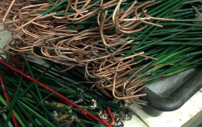 selon le métal qui doit se déposer les crochets doivent être selectionné - LYE*